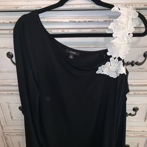 Alfani black & white cold shoulder top